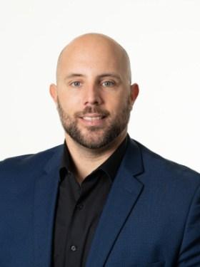 ERIC PAQUETTE : Directeur des ventes - C.A.M.