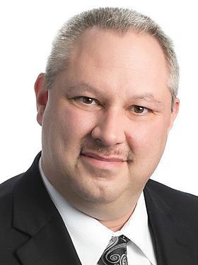 PAUL STE-CROIX : Directeur Commercial